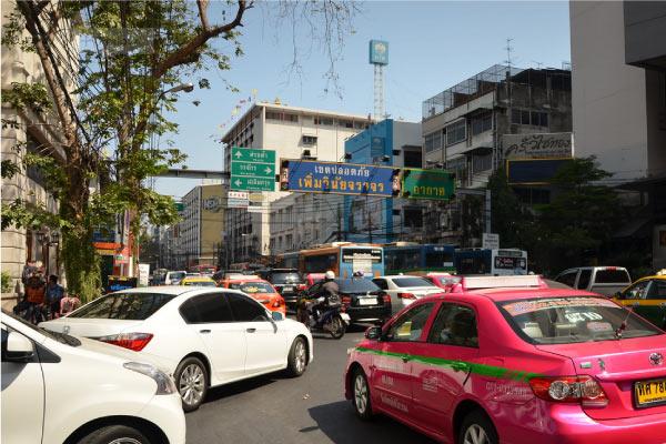 タイの交通風景